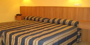 Hotel junto al mar